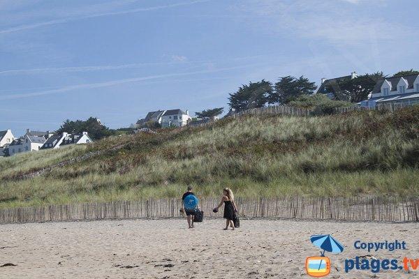 Maisons autour de la plage des Sables Blancs - Bretagne