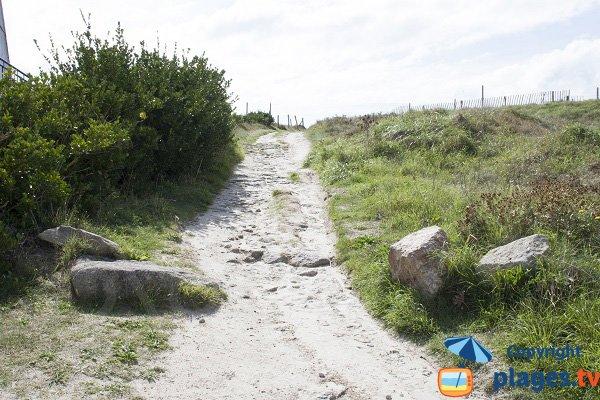 Accès à la plage des Sables Blancs - Loctudy