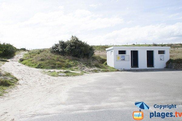 Sanitaire de la plage des Sables Blancs
