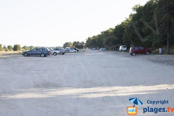 Car park of Sables Blancs beach - Plouharnel