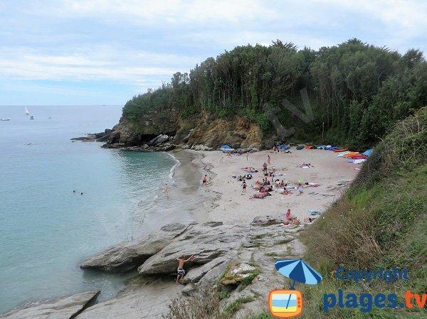 Photo de la plage des Sables Rouges sur l'ile de Groix en Bretagne