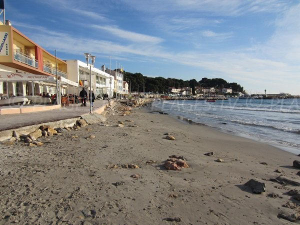 Restaurants on La Seyne sur Mer beach
