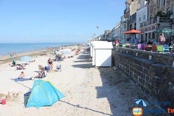 Cabins on the beach of St Aubin