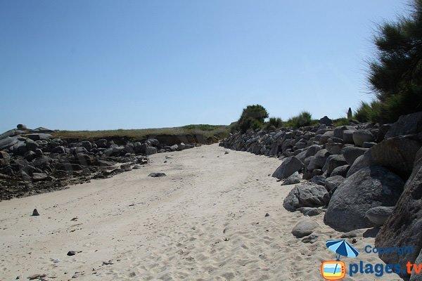 Enrochement sur le littoral de Plouescat