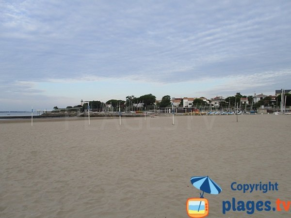Nautical center and beach volley - beach of St Georges de Didonne