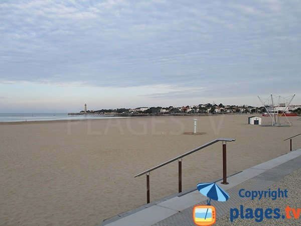 Photo of North zone of Saint Georges de Didonne beach - France