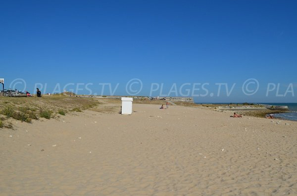 Sand beach in Saint Martin de Ré in France
