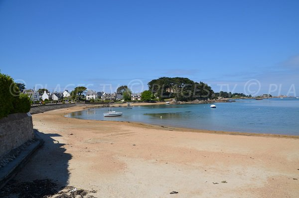 Ste Anne beach in Trégastel - Brittany