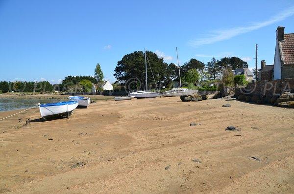 Extrémité de la plage de Ste Anne à Trégastel