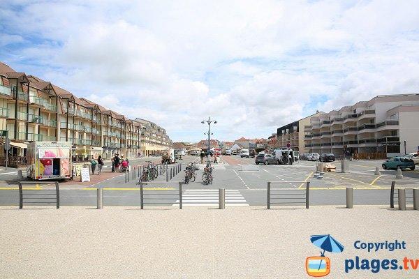 Esplanade de Sainte Cécile et commerces