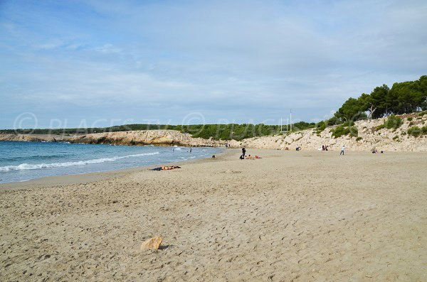 Sand beach in La Couronne - Camping Paradis