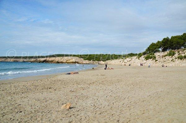 Plage de sable à La Couronne - Camping Paradis