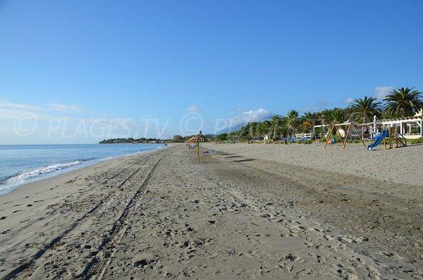 Plage privée sur la plage de Folelli