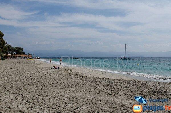 Extrémité Est de la plage de Santa Lina
