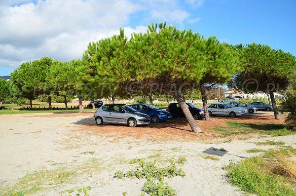Parking de la plage de Santa Lucia di Moriani
