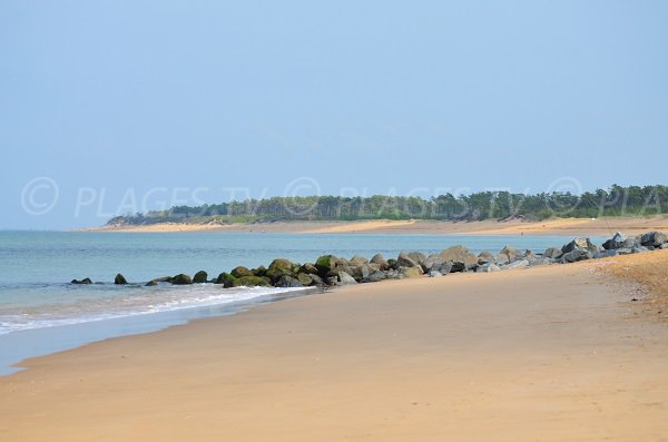 Beach near the tip of Saumonards in Oleron