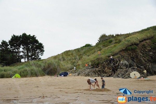 Falaises autour de la plage de Saussaye