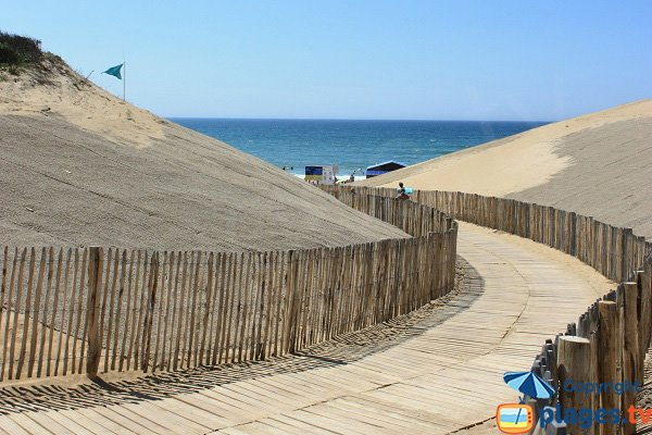 Access to Sauveterre beach in Olonne sur Mer in France