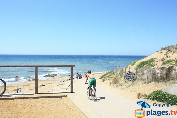 Access to Pierres Noires beach in Olonne sur Mer in France