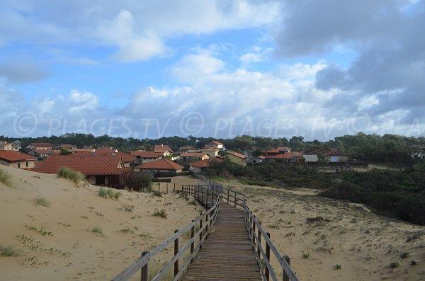 Vue sur les maisons de vacances depuis la dune de La Savane à Capbreton