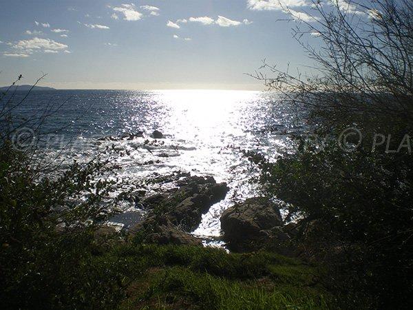 Vue globale sur les criques du Scudo à Ajaccio
