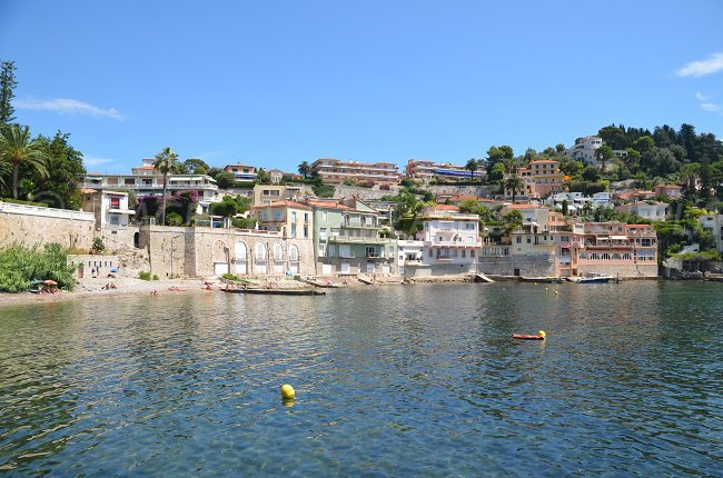 Grasseuil beach in Villefranche sur Mer with its houses