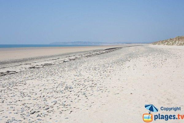 Grande plage de sable à Portbail