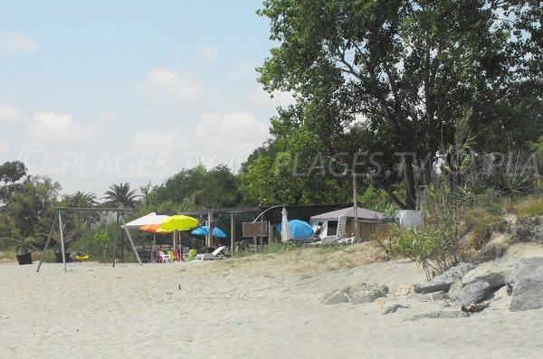 Paillote sur la plage de Serra Piana - Corse