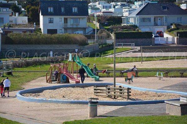 Jeux pour les enfants à St Aubin sur Mer