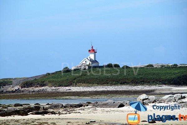 Ile Wrac'h depuis la plage de Saint Cava à Plouguerneau