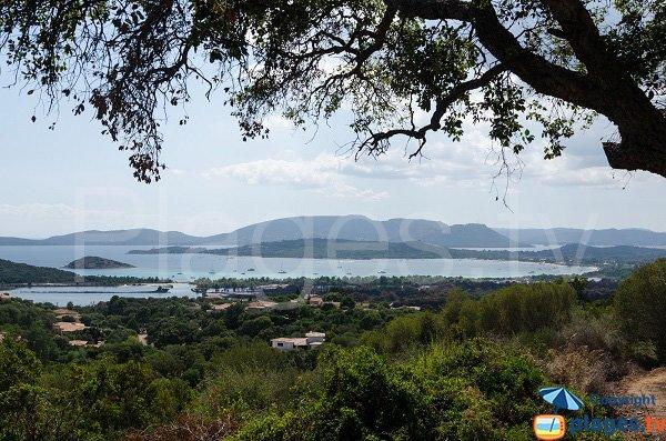 Vue globale de la baie de Saint Cyprien - Corse