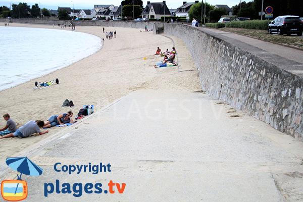 Cale de mise à l'eau sur la plage de St Guérin