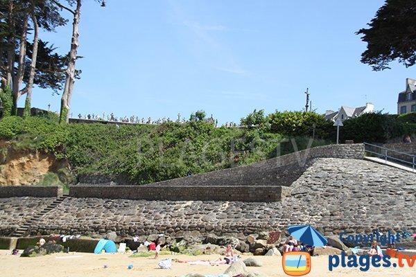 mur de soutènement de la plage de Douarnenez