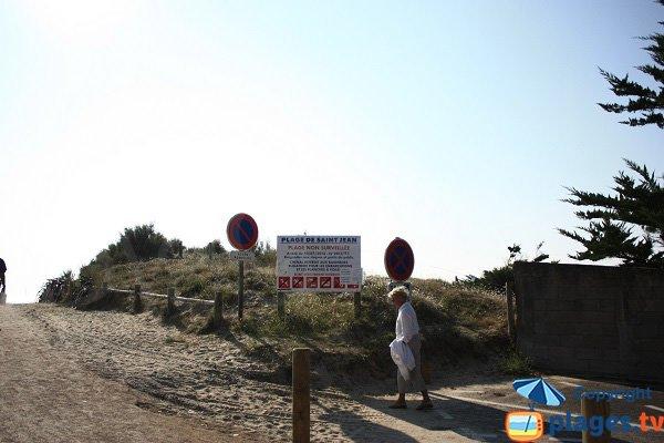 Accès à la plage de Saint Jean - L'épine