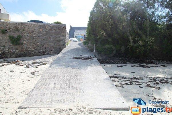 Accès par la cale de la plage de St Luc - Roscoff