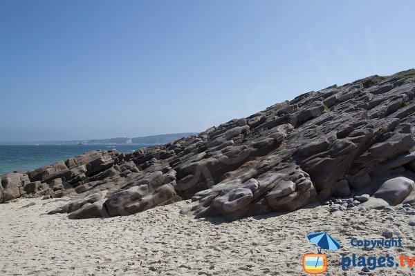 Rocce di arenaria rosa della spiaggia St Michel - Erquy
