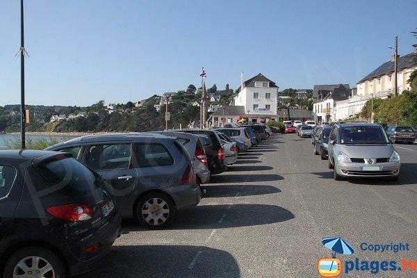 Parking de la plage de Saint Michel en Grève