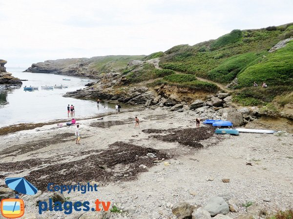Crique sur la côte sauvage de l'ile de Groix