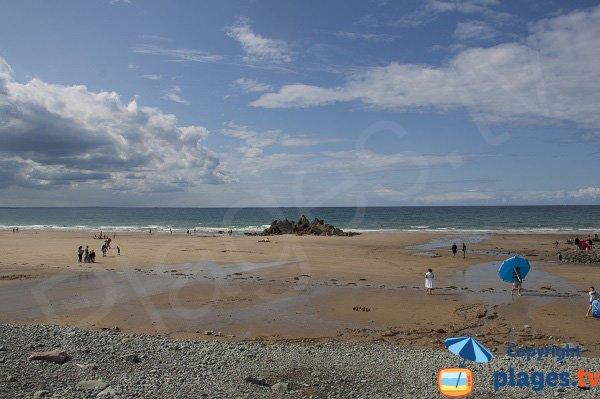 Spiaggia con la bassa marea - St Pabu - Erquy