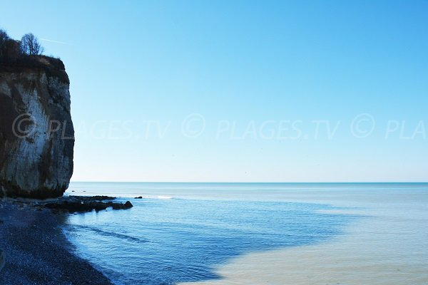Left part of St Pierre en Port beach