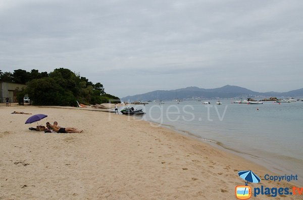 Plage de Stagnole en direction d'Isolella