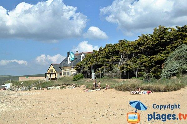 Restaurant sur la plage de Ste Anne La Palud