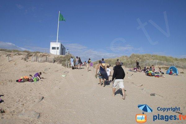 Monitored beach in Plouharnel -  Quiberon peninsula
