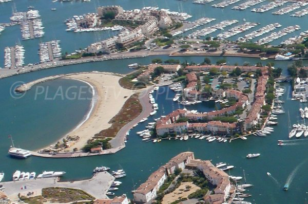 Veduta aerea della spiaggia a sud di Port Grimaud