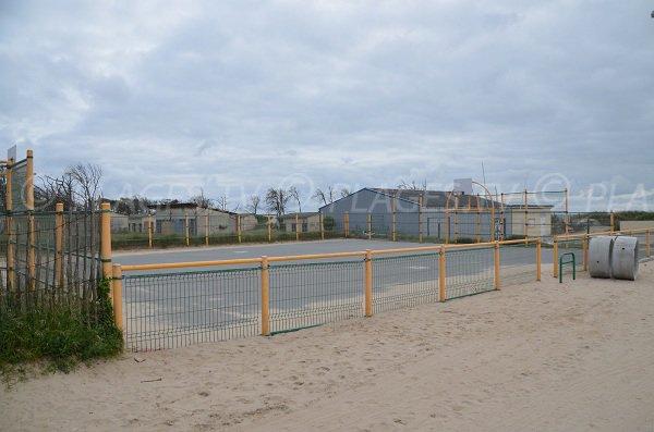 Terrain de basket sur la plage sud de Soulac