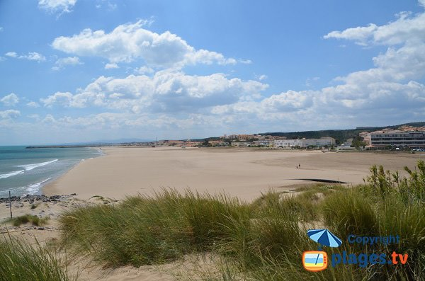 Photo of south beach in St Pierre sur Mer