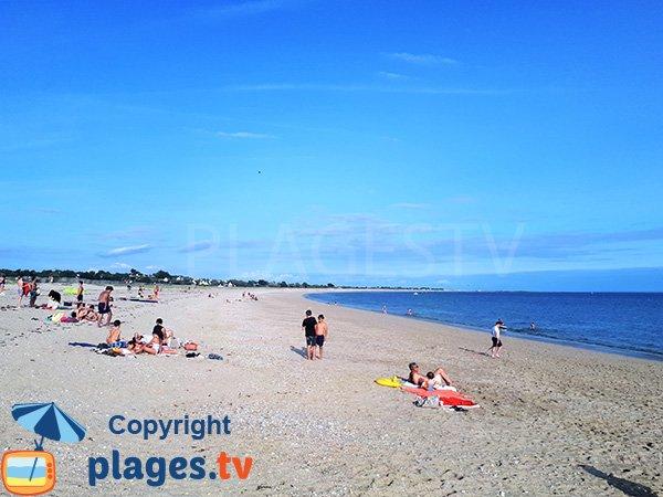 Grande plage de sable à Sarzeau - Suscunio