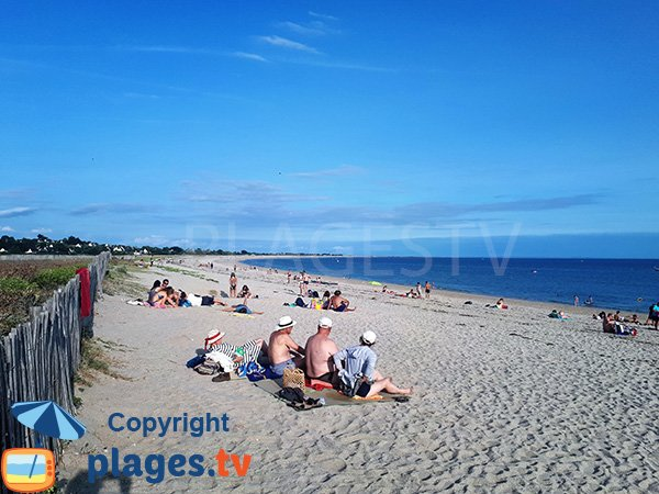 Photo de la plage de Suscinio en été à Sarzeau