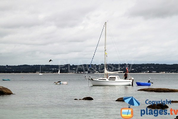 Pêcheurs dans la baie de Fouesnant en bateau
