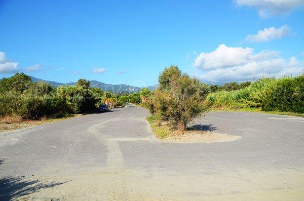 Parking de la plage de Taglio Isolaccio - Corse